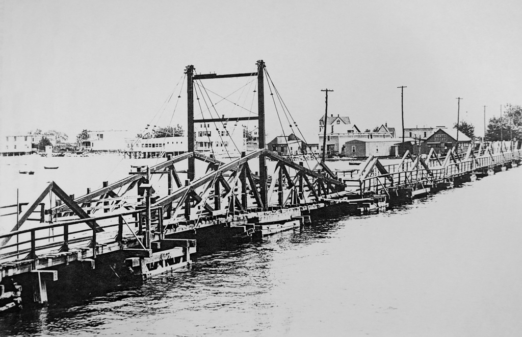 David Carll's wooden bridge, built circa 1873 (Source: Historical Facts in Connection with New York City Bridges)