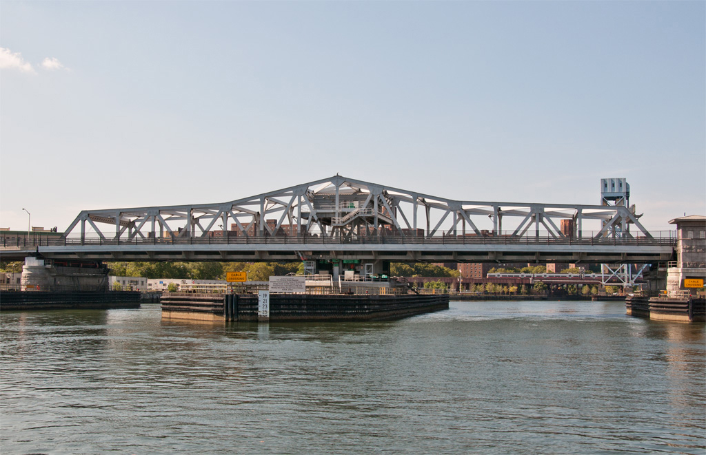 Replacement Third Avenue Bridge, opened 2004